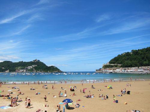san sebastian spain beach