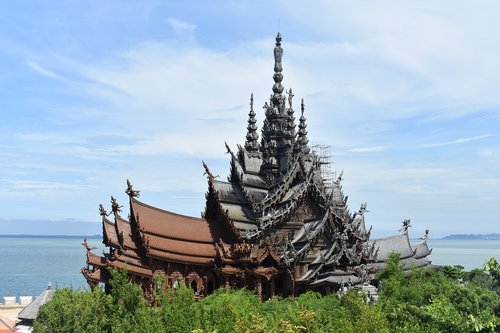 sanctuary of truth  pattaya  thailand