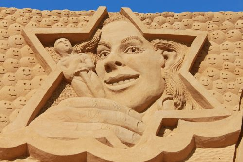 sand sculpture artwork