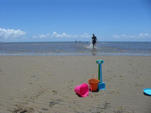 sand bucket spade