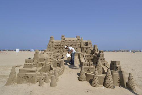 sand castle sea