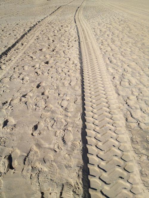 sand traces desert