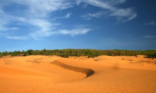 sand hill phan thiet vietnam