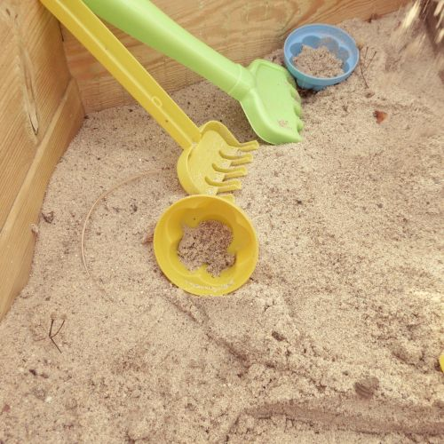 sand pit sand play