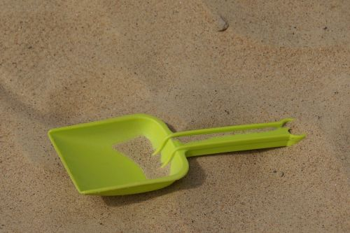 sand shovel the playground shovel