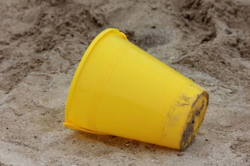 sand toy toy the yellow bucket
