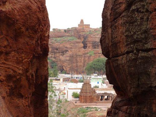 sandstone hills crevasse