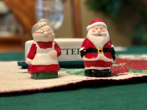 santa salt shaker christmas
