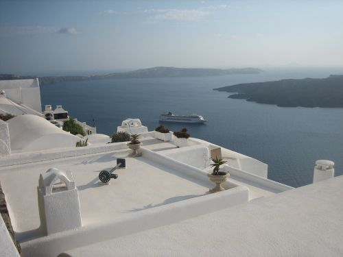 santorini sea white houses