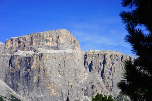 sass pordoi sella massif plateau rocks