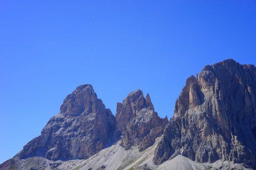 sassolungo group massif dolomites