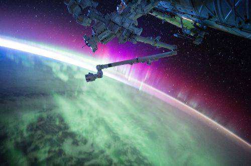 satellite iss northern lights