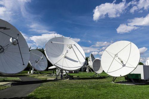 satellite technology radio