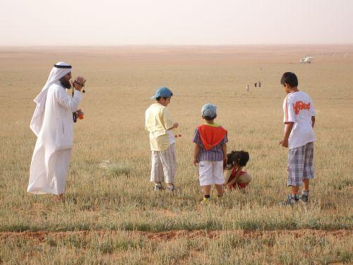 saudi family desert