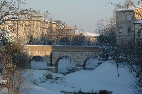 savignano dėl rubicon,sniegas,romėnų tiltas,istorija,romagna,upių rubikonas,italy,tiltas,romaneškasis tiltas,senovės,žiema