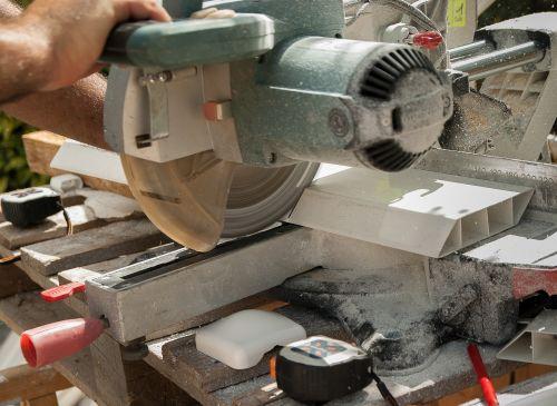 saw circular saw cut