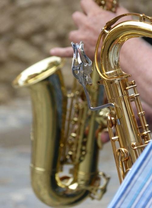 saxophone sax band