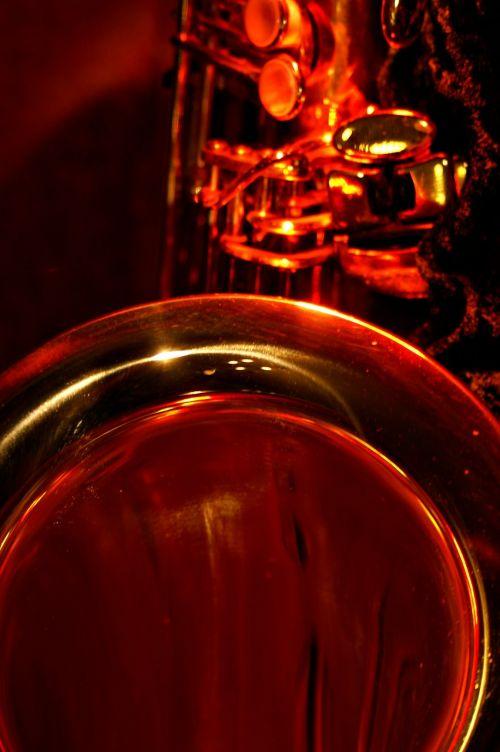 saxophone tenor megaphone