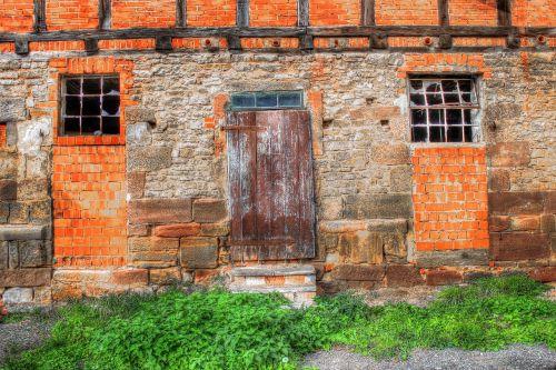 scale old door