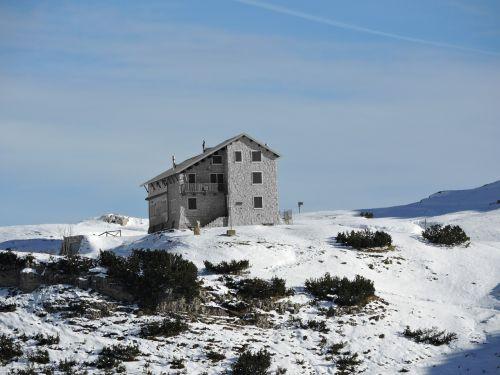scalorbi refuge mountain