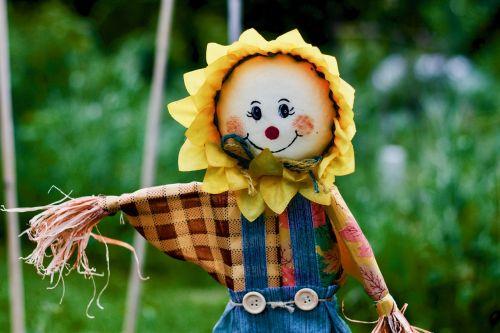 scarecrow garden spring
