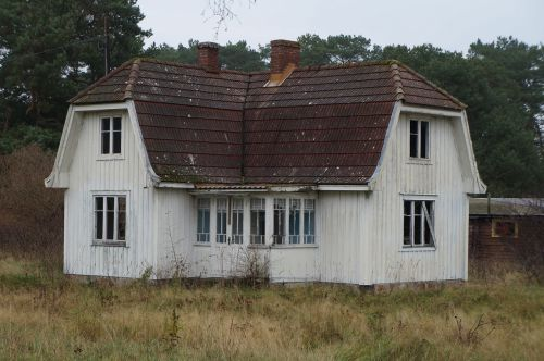 scary house sweden landscape