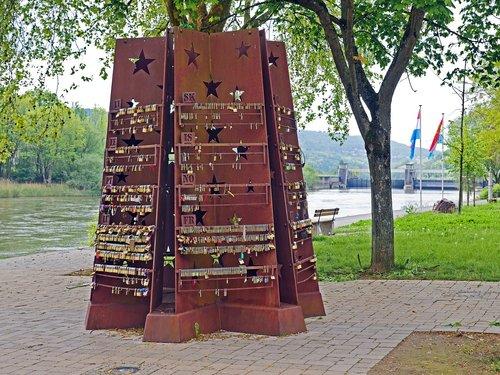 schengen  europe sculpture  dreiländereck