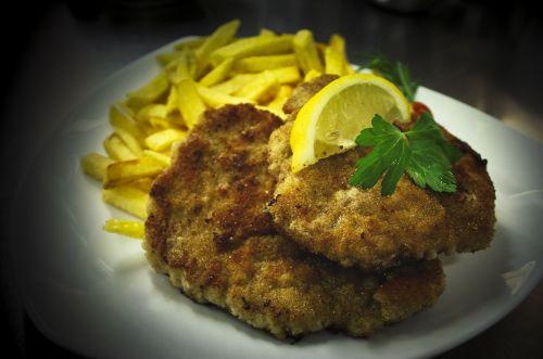 schnitzel french french fries