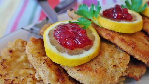 schnitzel pork cutlet lemon