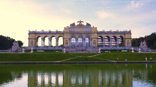 schönbrunn palace vienna gloriette