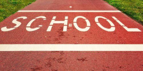 mokykla,žodis,tekstas,gatvė,eismas,budrus,eismo įspėjimas,įspėjimas,atsargiai,indikacija