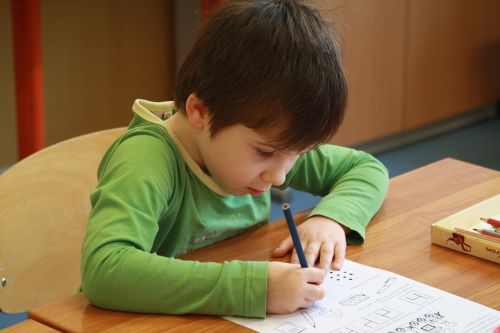 school the pupil writing