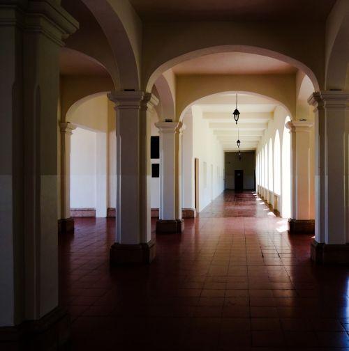 mokykla,universitetas,pastatas,meksikietiška architektūra,architektūra,salė