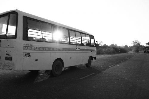 schoolbus india road
