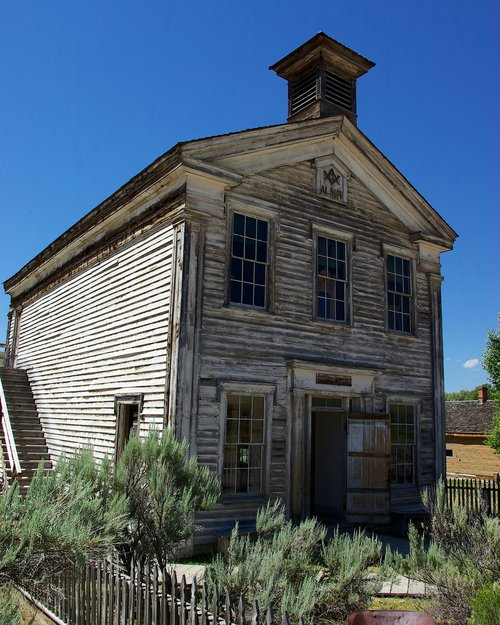 schoolhouse and masonic lodge  montana  bannack