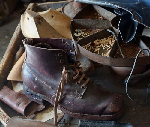 schuster old leather