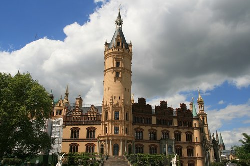 schwerin  castle  clouds