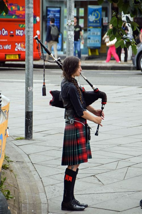 scotland england bagpipes