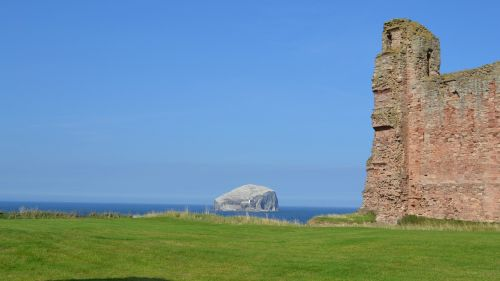 scotland tantallon bass rock