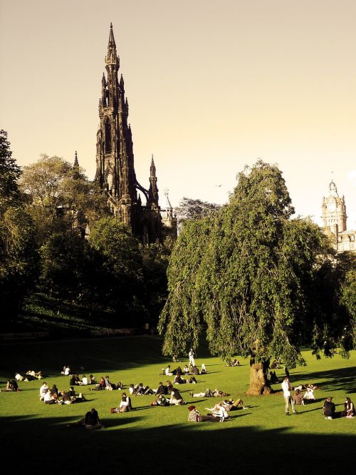 scott monument edinburgh scotland