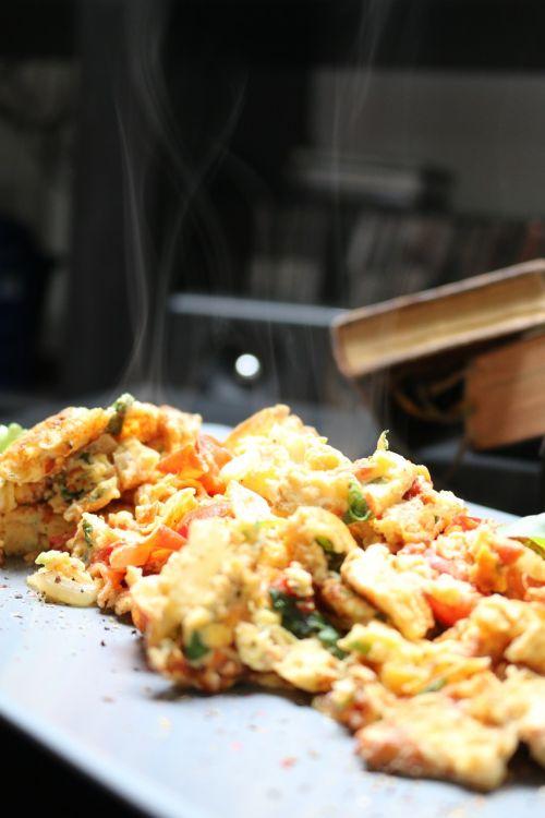 scrambled eggs egg eat