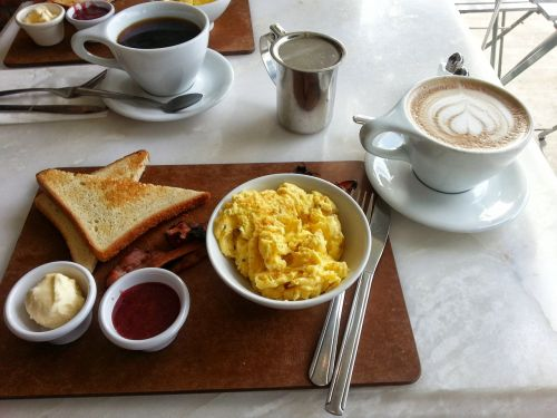 scrambled eggs breakfast coffee