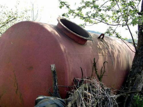 scrap tank pollution