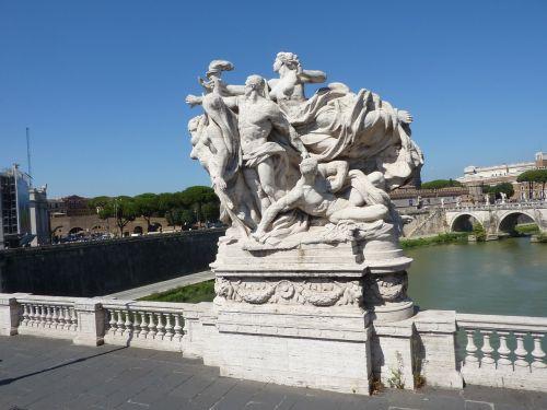 sculpture bridge rome