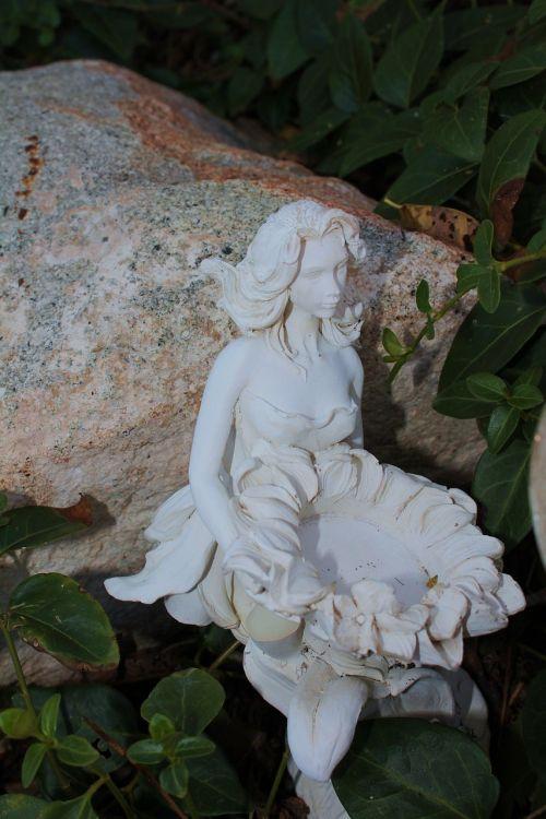 sculpture statue nature