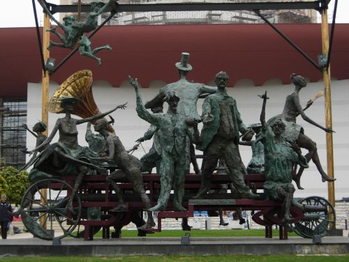 caragealiana sculpture bucharest