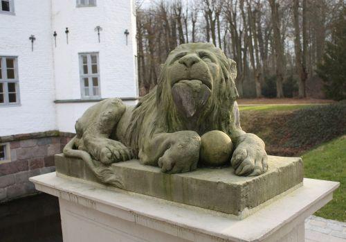 sculpture lion stone lion