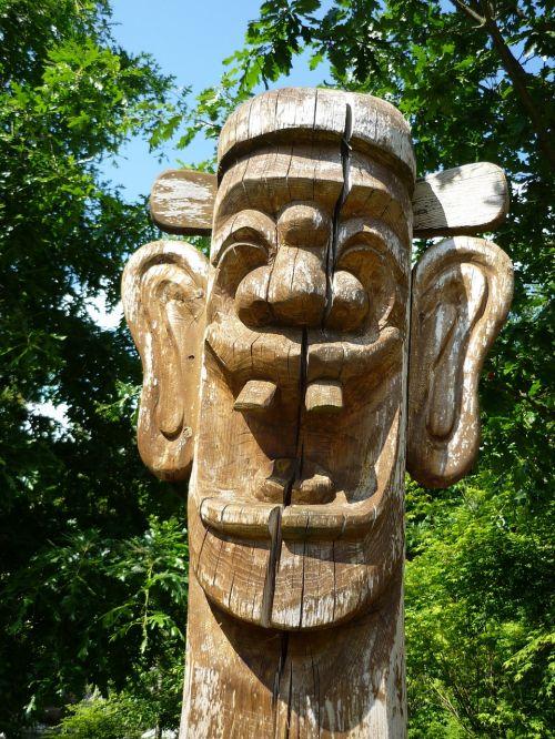 sculpture korea wood