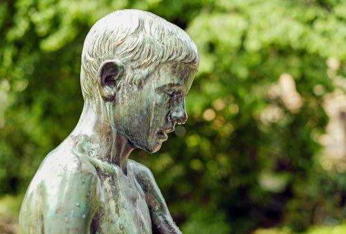 sculpture bronze child