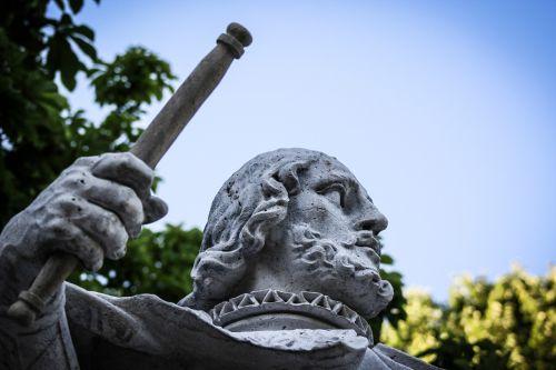 sculpture stone parque del retiro